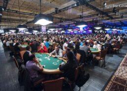 Как играть в покер в казино?